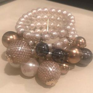 All pearl bracelet